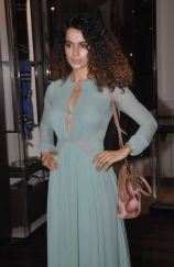 kangana-ranaut-stills-at-the-latest-issue-of-grazia-magazine-launch-event