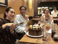 Karishma-Kapoor-2018-Birthday-Celebrations-in-London (6)