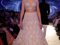 Ranbir-Deepika-at-Mijwan-Fashion-Show-2018-Photos (12)