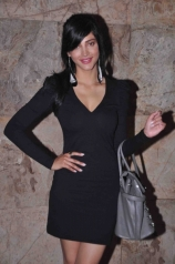 shruti-hassan-stunning-outfits