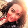 holi-celebrations-2015-sonakshi-sinha