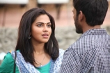 amala-paul-and-dhanush-in-velai-illa-pattathari-movie