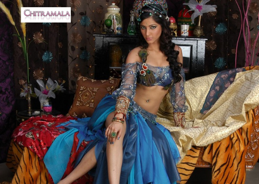 Shruti Hassan Hot in Anaganaga O Dheerudu