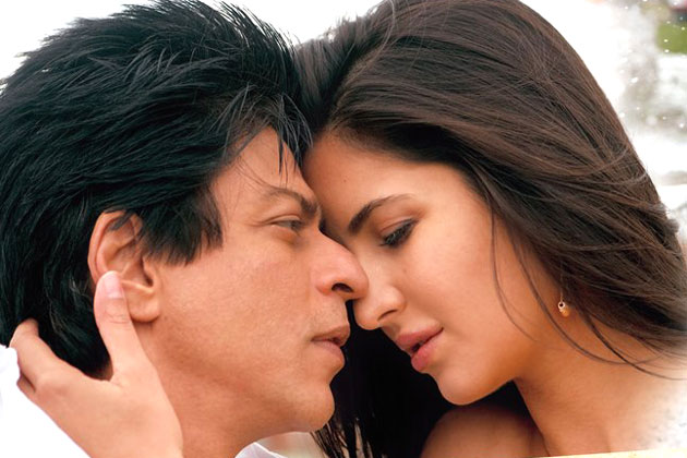 Shah Rukh Khan and Katrina Kaif Kiss Scene in Jab Tak Hai Jaan