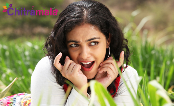 Introduction Song on Heroine Nithya Menon