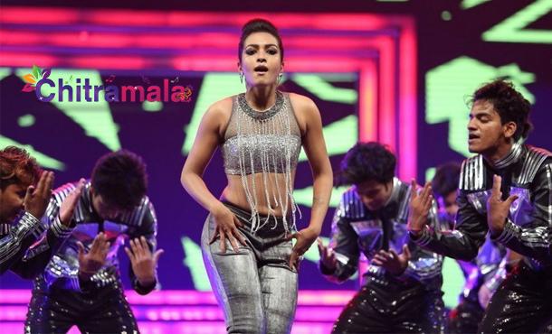 Catherine Tresa dance in Filmfare
