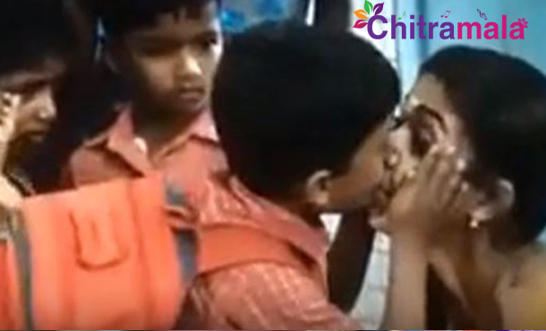 Nayanthara Lip Lock With School Kid