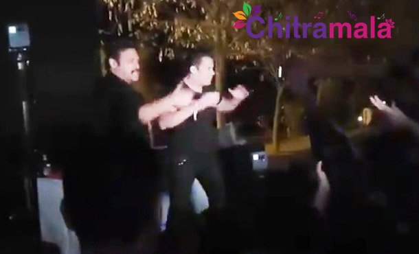 Venkatesh and Salman Khan Dance